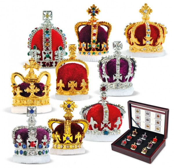 The 'British Coronation Crowns' Set UK_7312999_1
